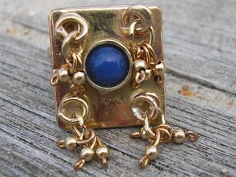 Gold and Lapis Lazuli Ring